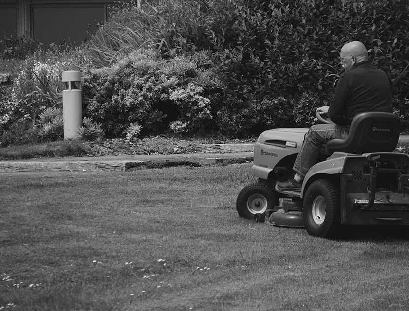Lawn Care Technician Job Description